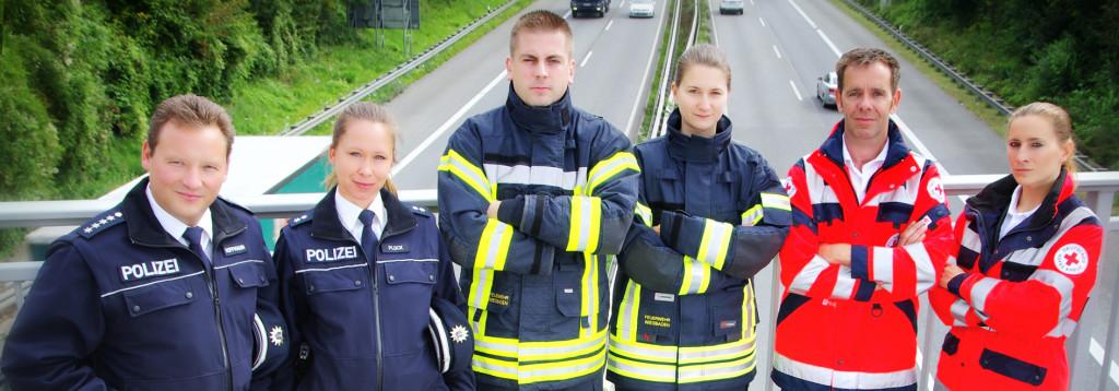 http://wiesbaden112.de/rettungsgasse/wp-content/uploads/2014/08/Gruppe_Homepage-1024x358.jpg